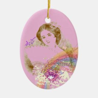 Rosa oval prydnad för vintagefläktdam ColorSplash Ovalformad Julgransprydnad I Keramik