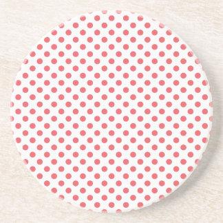 Rosa polka dots för korall av Shirley Taylor Underlägg Sandsten