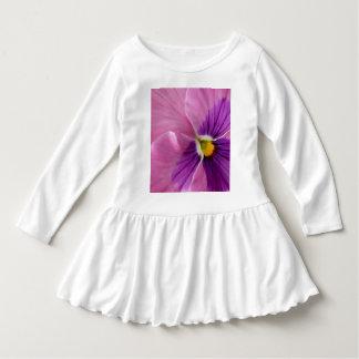 Rosa purpurfärgad Pansyblomma Tee Shirt