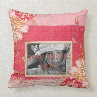 Rosa röd blom- fotodekorativ kudde