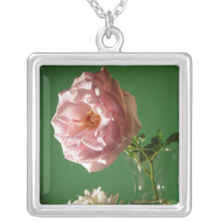 Rosa ros halsband