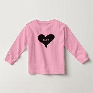 """rosa skjorta med hjärta och """"XOXO """", T-shirt"""