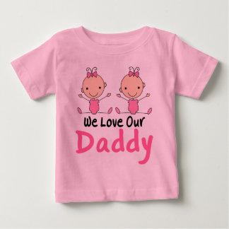 Rosa stick figurbabyar för tvilling- flickor tshirts