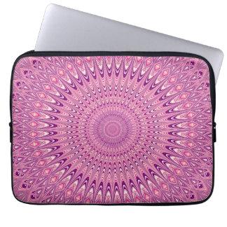 Rosa stjärnamandala laptop sleeve