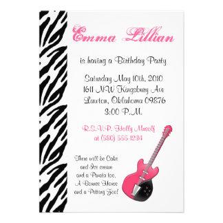 Rosor för coola för inbjudan för gitarrzebra tryck