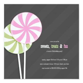 Rosor & grönt virvlar runt klubbapartyinbjudningar fyrkantigt 13,3 cm inbjudningskort