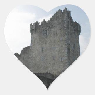 Ross slott, Killarney, Irland Hjärtformat Klistermärke