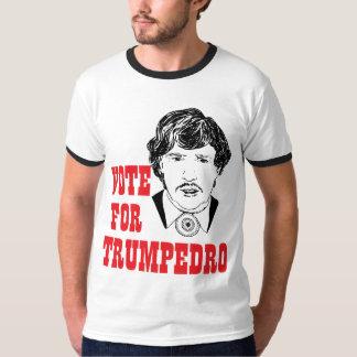RÖSTA FÖR TRUMPEDRO-politiskt humormanar T-shirts