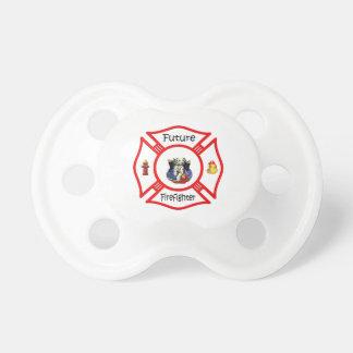 Rött maltesiskt för framtida brandman nappar för barn