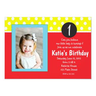 Rött och blått pricker barns födelsedaginbjudan 12,7 x 17,8 cm inbjudningskort