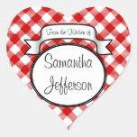 Rött skriva - från kök av burken/etikett hjärtformade klistermärken