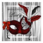 Rött svart vitmaskeradparty personliga inbjudningskort