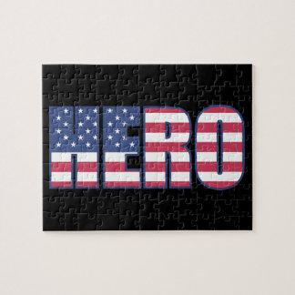 Rött vitt blått randar för hjälteamerikanska pussel