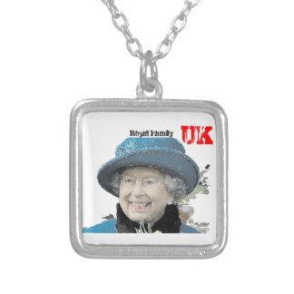 Royal Windsor för födelsedag för Silverpläterat Halsband