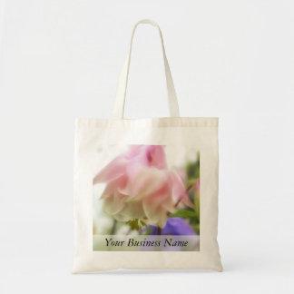 Rufsade rosa Aquilegia (Columbine) Tygkasse