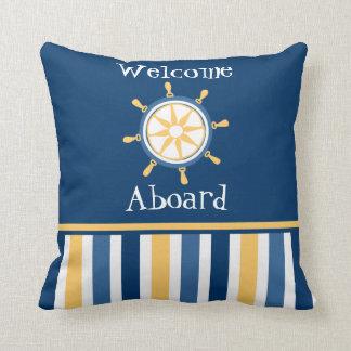 Rullar nautiska guld- blått för marinen randar kudde