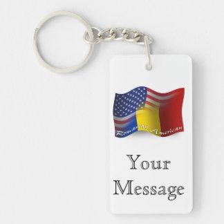 Rumänsk-Amerikan som vinkar flagga