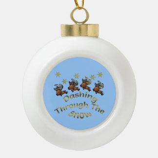 Rusa till och med snöjulprydnaden julgransprydnader