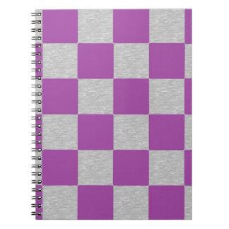 Rutig anteckningsbok för lilor och för grått