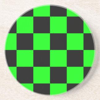 Rutigt stort - svart- och elkraftgrönt underlägg