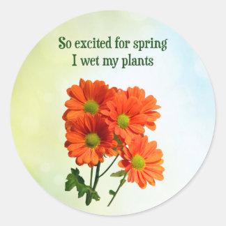 Så upphetsad för vår blöter jag min växter runt klistermärke