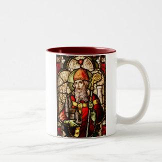 Saint patrick avbildar på målat glass Två-Tonad mugg