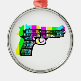 Saker med vapen på julgransprydnad metall