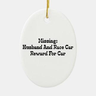 Saknad make- och tävlingbilbelöning för bil julgransprydnad keramik