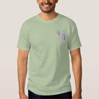 Salta och peppra Shakers Broderad T-shirt
