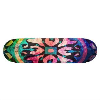 Samla i en klunga av den färgrika abstrakt mini skateboard bräda 18,5 cm
