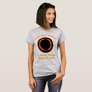 Sammanlagd sol- förmörkelse (St Joseph, Missouri) Tee Shirts