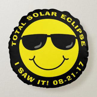 Sammanlagd sol- förmörkelsecoolasmiley face rund kudde