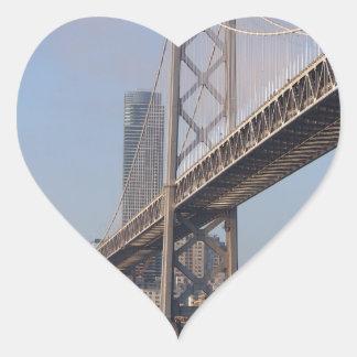 San Francisco Bay överbryggar på en solig morgon Hjärtformat Klistermärke
