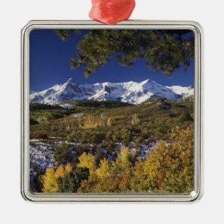 San Juan berg och asp- träd i fallcolor Julgransprydnad Metall