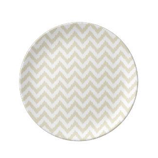 Sand färgat neutralt sparremönster porslinstallrik