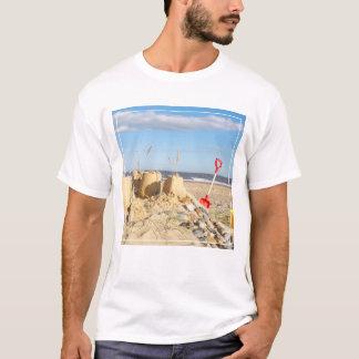 Sandcastle på stranden tee shirt