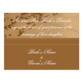 Sandig postcard. för strandbröllopinbjudan vykort