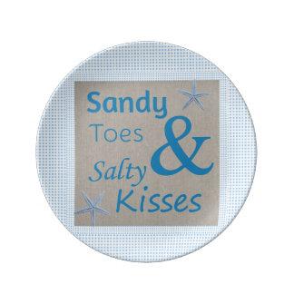 Sandiga Toes och salt citationstecken för Porslinstallrik