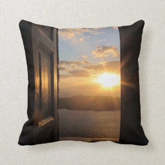 Santorini solnedgång till och med dörr kudde
