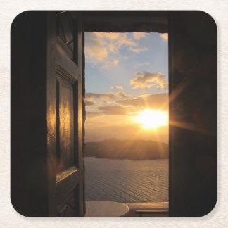 Santorini solnedgång till och med dörr underlägg papper kvadrat