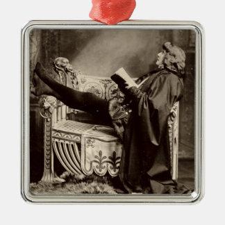 Sarah Bernhardt (1844-1923) som Hamlet i 1899en Julgransprydnad Metall