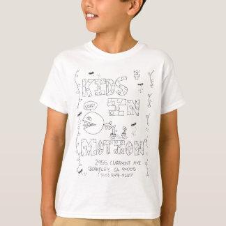 Sashas ungar i rörelseskjorta tee