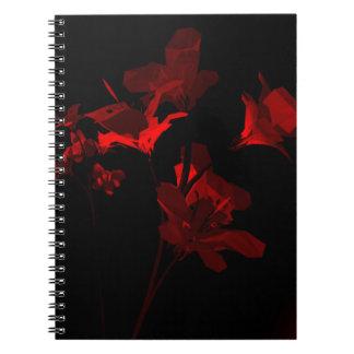 Scarlet omkullkastar buketten anteckningsbok med spiral