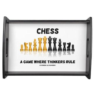 Schack en lek var tänkarear härskar reflekterande frukostbricka