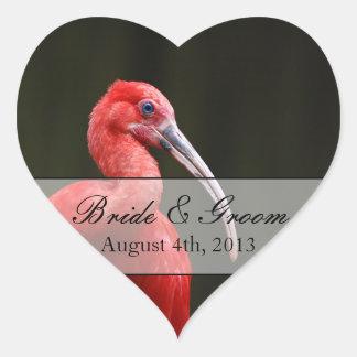 Scharlakansrött Ibis bröllop Hjärtformat Klistermärke