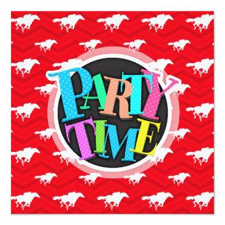 Scharlakansrött rött, vit, sparre, hästkapplöpning fyrkantigt 13,3 cm inbjudningskort
