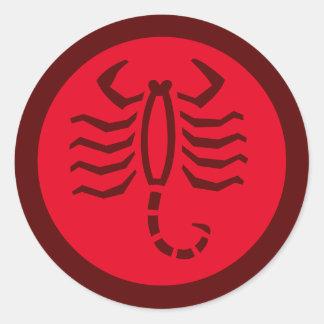 ScorpioZodiac undertecknar rött Runt Klistermärke