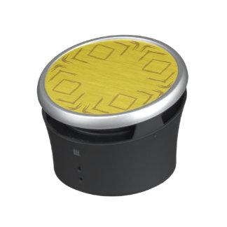 Se skogen göra sammandrag den gula högtalaren för speaker