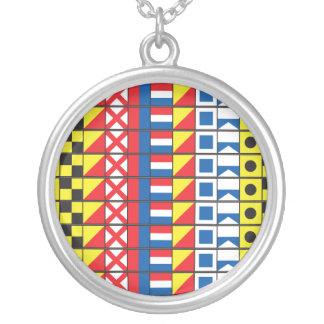 Se Worthy_Signal Flags_I kärlek att segla Silverpläterat Halsband