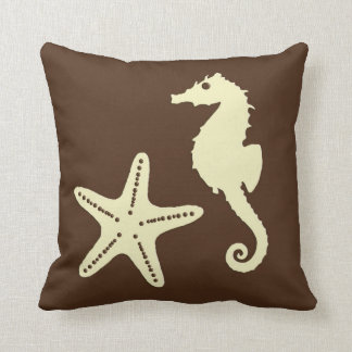 Seahorse & sjöstjärna - mörkbrunt och beige kudde